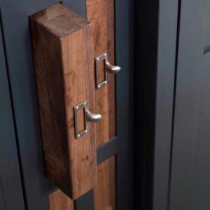 Furniture Hooks & Cardframes