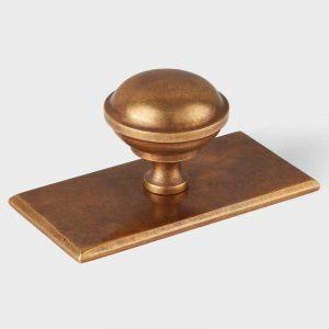 Queslett knob rectangle Gregory Croxford Living