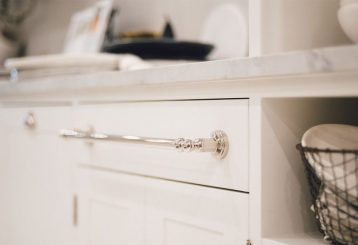 Provincial-Kitchens-Living3-Gregory-Croxford-Living